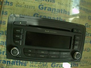 Radio / Stereo - Audi A3, S3 -08  8P0035186P
