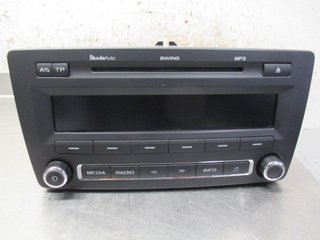 Radio CD / Multimediapanel - Skoda Octavia -10 1Z0035161G 28233340 1Z0035161G