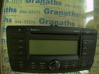Radio CD / Multimediapanel - Skoda Octavia -06 1Z0035161B 10R022432