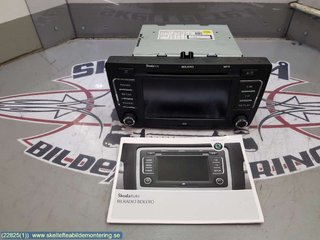 Radio CD / Multimediapanel - Skoda Yeti -10 1Z0 035 156 F