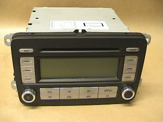 Radio CD / Multimediapanel - VW Passat -06 1K0035186T  1K0035186T