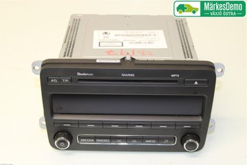 Radio CD / Multimediapanel - Skoda Fabia -11 5J0035161D  5J0035161C