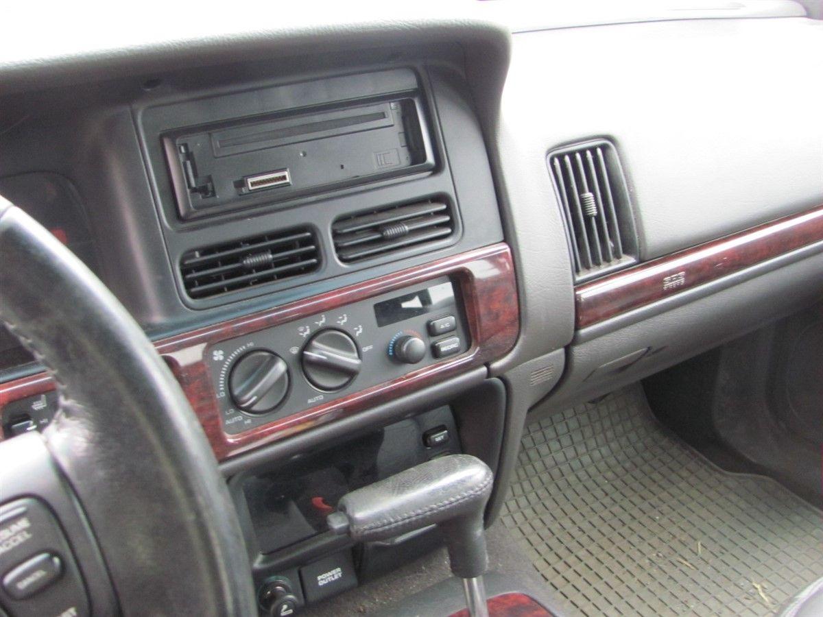 Ac Kondensor Kylare Jeep Grand Cherokee 98 W255034 Om Bilden Frestller Ett Fordon S Tnk P Att Det Kan Vara Demonterat Och Kanske Inte Existerar I Skick Som Visar